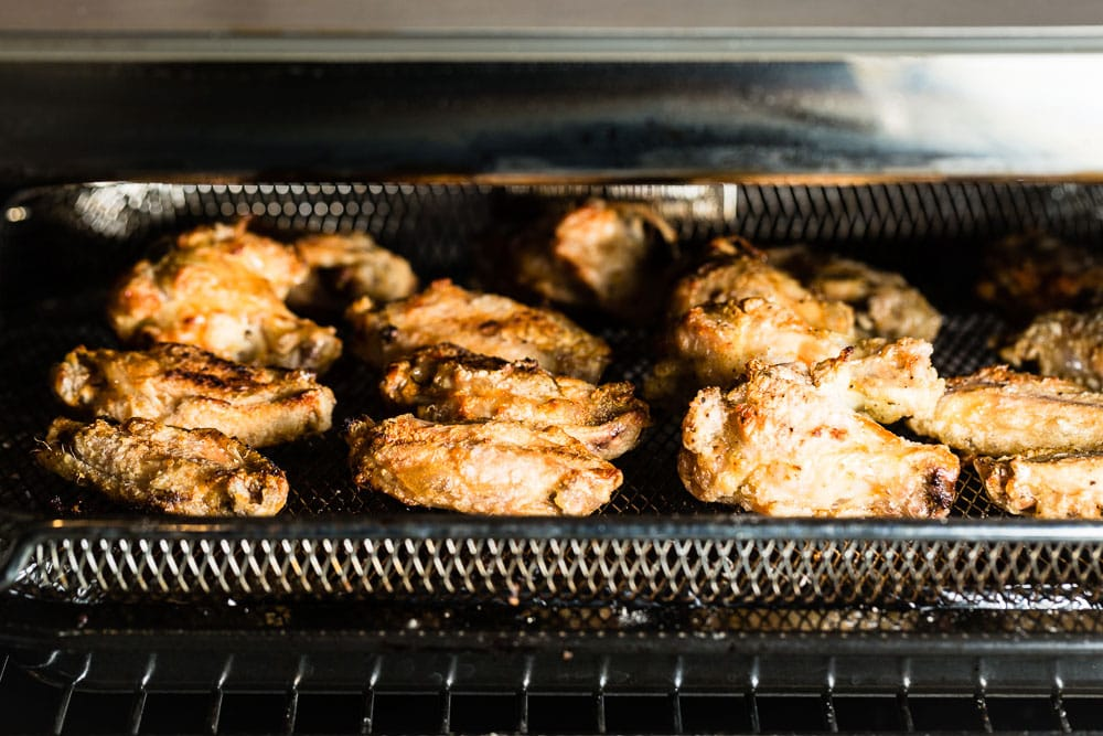 air fried chicken wings in breville smart oven air 4 horizontal