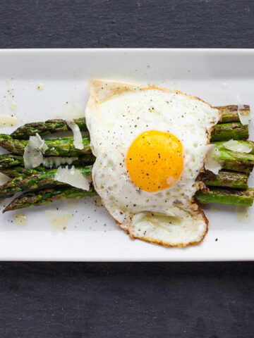 asparagus and fried egg