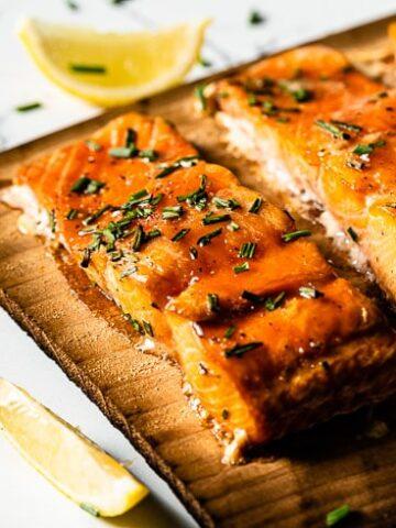 cedar plank salmon close up 2 horizontal