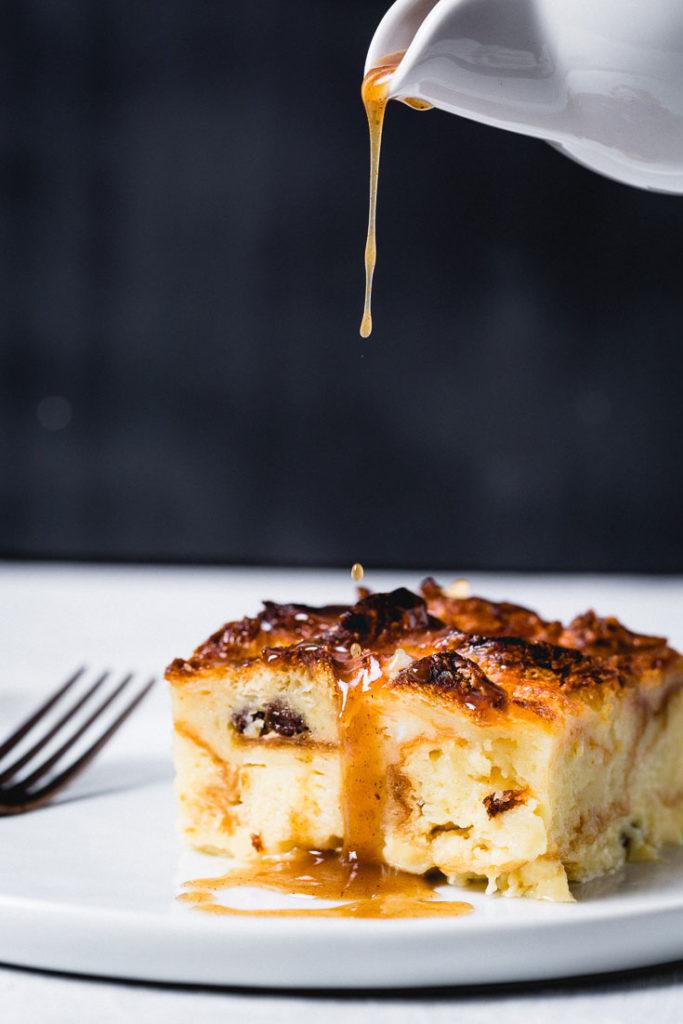 croissant bread pudding sauce pour