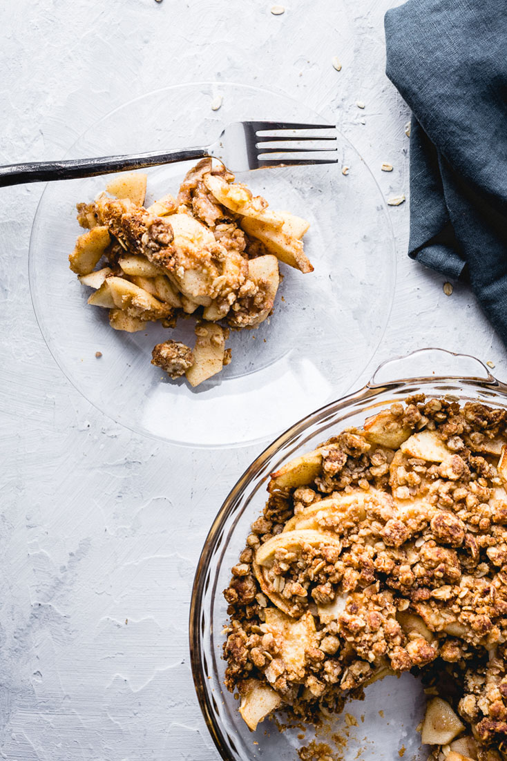 easy apple crisp on plate overhead