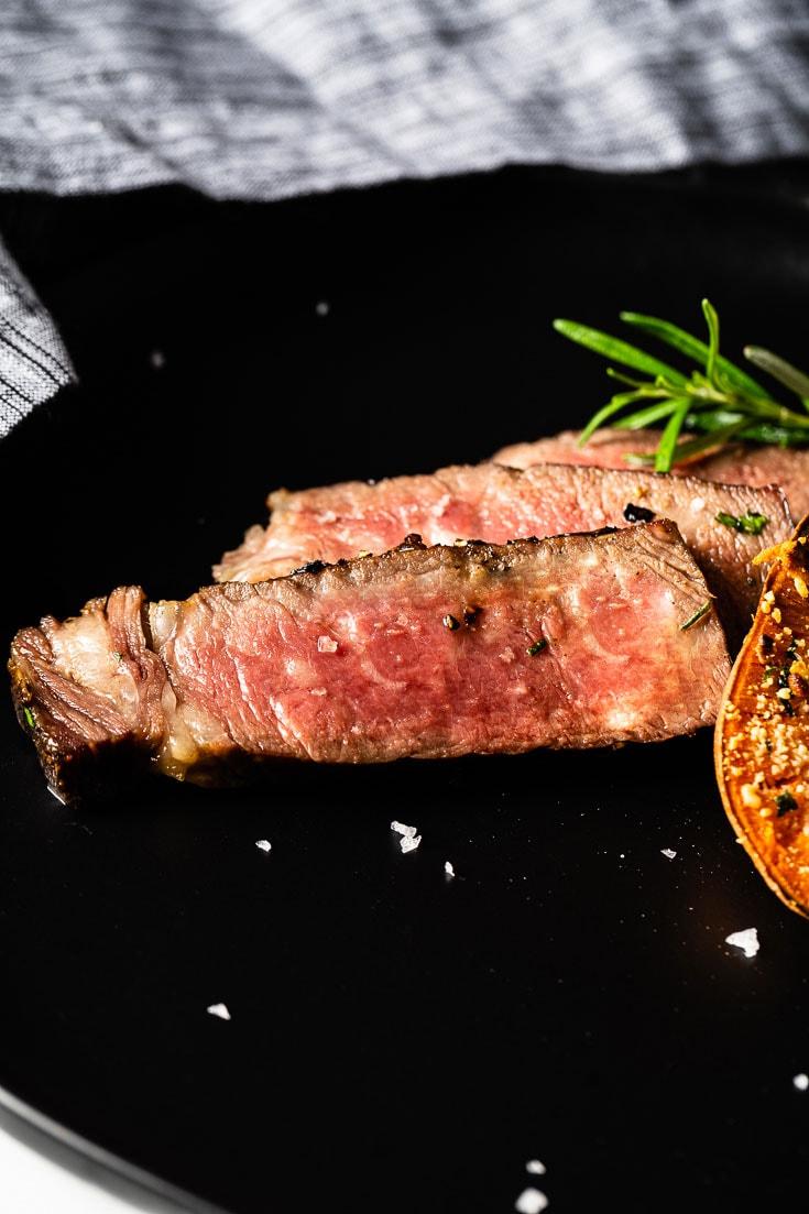 reverse sear steak sliced 1