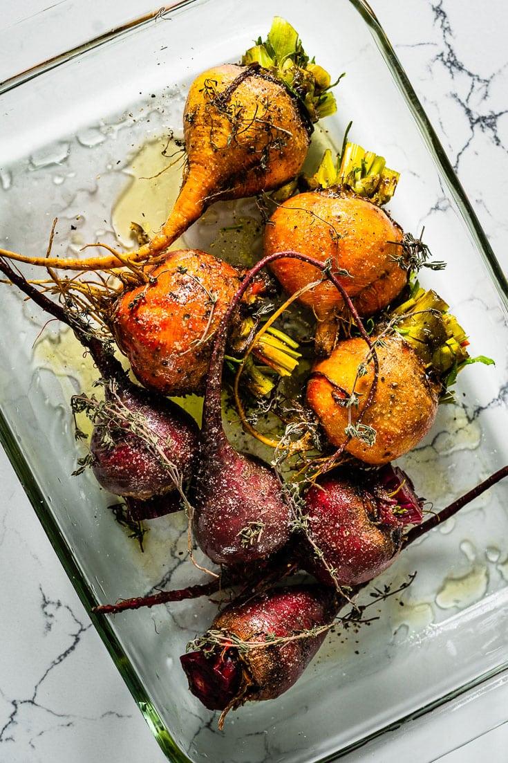 seasoned raw beets in roasting pan