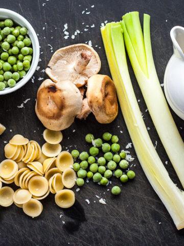 shitakki and pea pasta