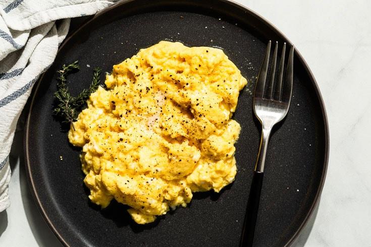 sous vide scrambled eggs overhead horizontal