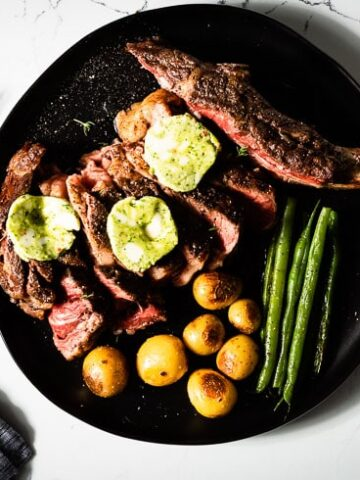 sous vide tomahawk steak chimichurri butter horizontal