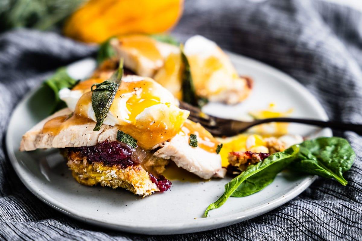 thanksgiving leftover eggs benedict horizontal 4