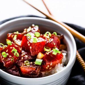 tuna poke bowl - close up